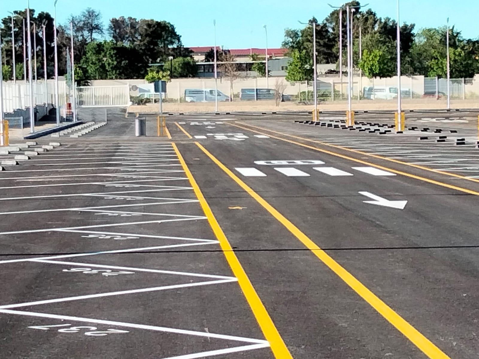 aparcamiento señalizado con pintura